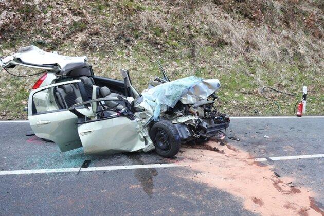 Unfall mit drei Verletzten - S 228 drei Stunden gesperrt