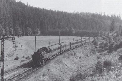 Viel offener war die Landschaft entlang des Gleises 1959.