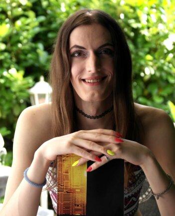 Nadja Ungethüm heute. Die 31-Jährige hat ihre Geschäftsfelder rund um die Sicherheit im Internet ausgebaut und ein Buch über ihre Erfahrungen geschrieben.