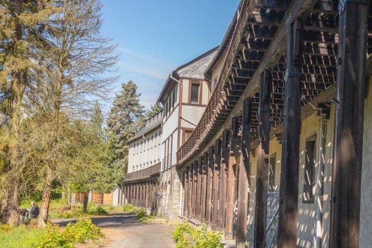 Mehr als 20 Jahre stand das Pawlow-Haus in Warmbad leer. Jetzt hat es einen neuen Besitzer, der es zum Hotel umbauen will.