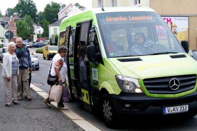 Seit März 2017 ist der Bürgerbus in Lengenfeld unterwegs. Zurzeit gibt es jedoch einen Engpass bei den ehrenamtlichen Fahrern.
