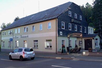 """Der Gasthof """"Zur Tanne"""" in Tannenbergsthal."""