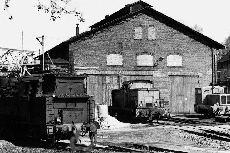 Im Gelände des Martin-Hoop-Schachtes II befand sich ein Lokschuppen der Werkbahn.