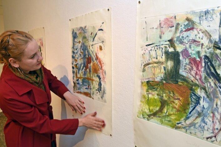 Teresa Hilliger, Absolventin der Hochschule für Bildende Künste Dresden, stellt ihre Arbeiten in der Dorfgalerie Auerswalde vor.