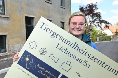 Tierärztin Nicole Schreiter eröffnet am Freitag im ehemaligen Rittergut an der Thomas-Müntzer-Straße 2 in Niederlichtenau ein Tiergesundheitszentrum mit speziellen Angeboten.