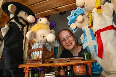 Ivonne Fischer bereist seit drei Jahren ganz Deutschland mit ihrer mobilen Puppenbühne. In ihren Stücken will sie Wissen spielerisch vermitteln. Auch Zuschauer können zu Wort kommen.