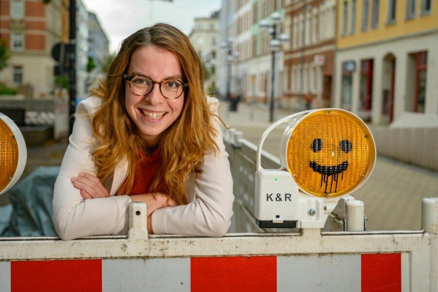 Von Einschränkungen wie einem Bauzaun auf dem Foto lässt sich Karola Köpferl kaum beeindrucken. Ihre Lebenserfahrungen, etwa in der Pflege älterer Menschen und der Inklusion Behinderter, helfen der 31-Jährigen, ihre Themen den Wählern nahezubringen.