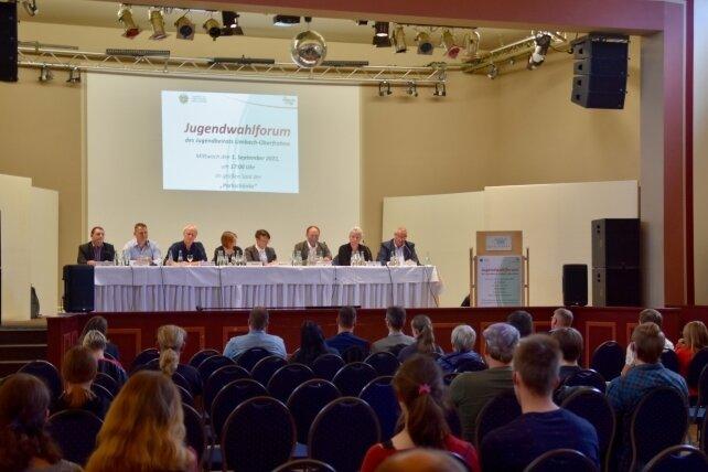 In der Parkschänke in Limbach-Oberfrohna stellten sich Bundestagskandidaten des Wahlkreises 163 den Fragen von etwa 50 Gästen.