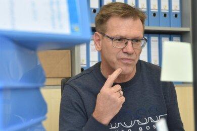 Bereits zwischen September 2019 und Januar 2020 musste Uwe Hildebrand immer wieder mit Zahlen jonglieren. Der Unternehmer war in dieser Zeit als kommissarischer Geschäftsführer des CFC eingesprungen. Jetzt hofft er auf ein schnelles Ende der Insolvenz des Traditionsvereins.