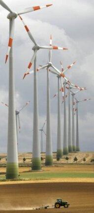 Wer mit einem Anbieterwechsel dafür sorgen möchte, dass der Anteil erneuerbarer Energien bei der Stromerzeugung in Deutschland steigt, muss genau prüfen, wofür er sich entscheidet. (Archivfoto)