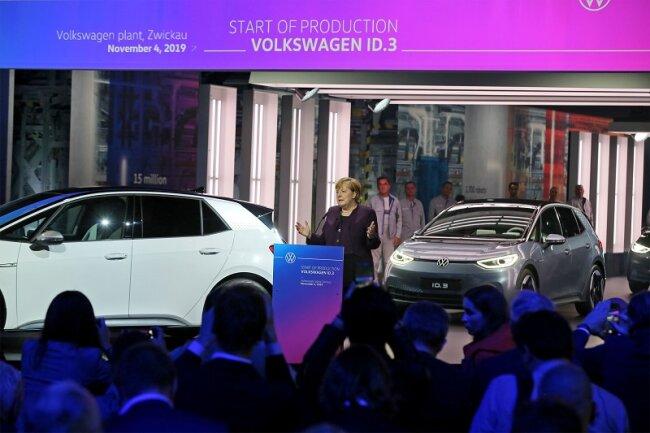 Bundeskanzlerin Angela Merkel beim Produktionsstart des ID.3 im VW-Werk in Zwickau-Mosel.