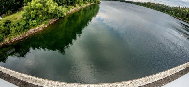 Rund 18 Millionen Kubikmeter Wasser waren am Freitag in der Talsperre Saidenbach angestaut.