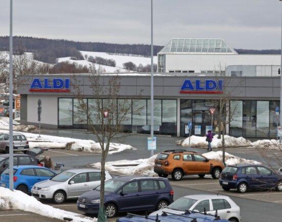 Ein Mann betrat sogar die Aldi-Filiale am Auersberg-Center, um angeblich Geld für Kinder und Gehörlose zu sammeln.