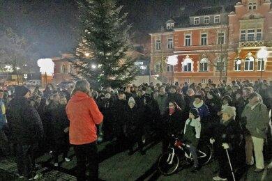 Die Ärztin auf der Kundgebung am 23. November in Oelsnitz/Erzgebirge.