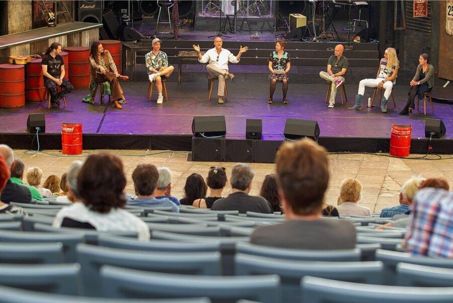 """Einen Vorgeschmack auf das Musical """"Rock of Ages"""" gab es am Wochenende bei der Matinee im Plauener Parktheater."""