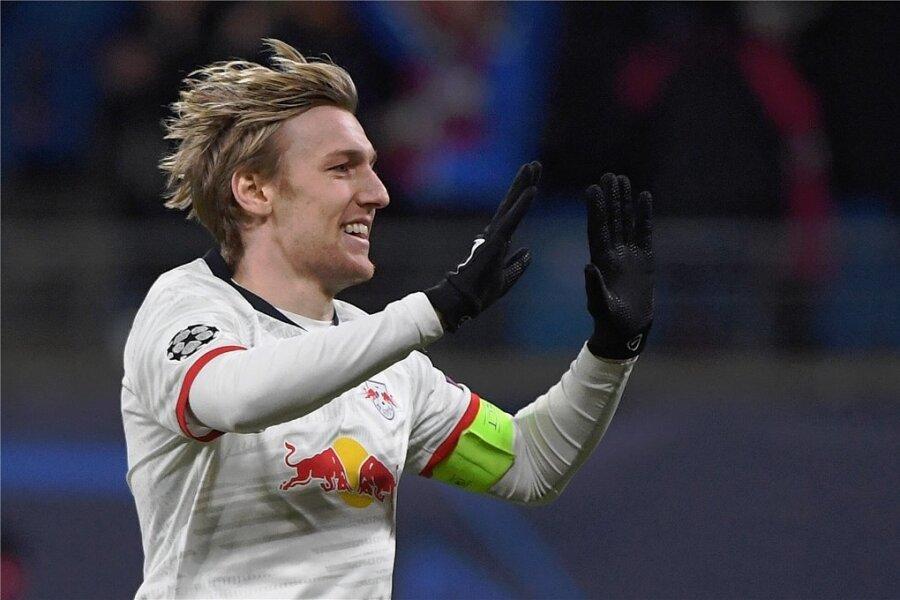Emil Forsberg jubelt kurz nach seiner Einwechslung über seinen Treffer zum 3:0 im Viertelfinale gegen Tottenham Hotspur. Der Schwede könnte dieses Mal zur Startelf von RB gehören.