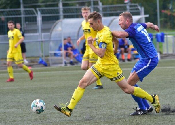 Der VfB Fortuna (hier Kapitän Moritz von der Mühlen am Ball) bleibt in der Landesklasse Staffel Mitte weiter das Maß der Dinge.