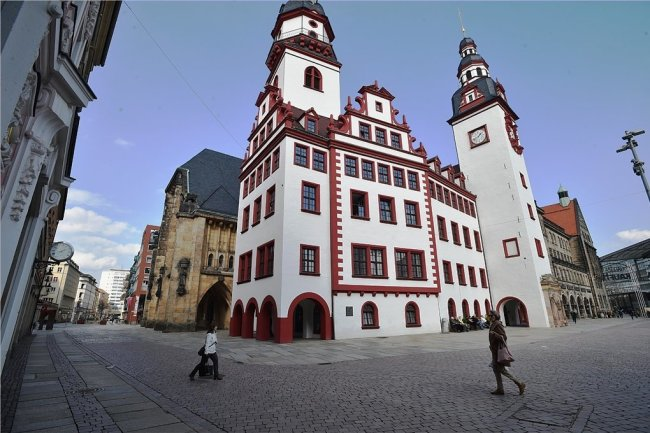 Wer zieht im Herbst im Chemnitzer Rathaus ein? Am 20. September wird gewählt. Erhält kein Kandidat mindestens 50 Prozent aller Wählerstimmen, gibt es drei Wochen später einen zweiten Wahlgang.