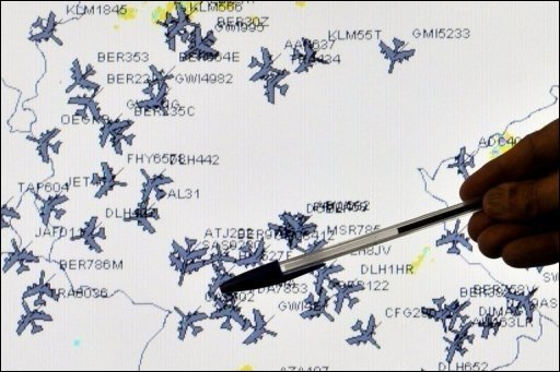 In Europa kommt der Flugverkehr langsam wieder in Gang. Obwohl das Flugverbot für Deutschland bis 2.00 Uhr verlängert wurde, starteten und landeten heute hunderte Maschinen. Laut Eurocontrol hat sich die Aschewolke inzwischen ohnehin aufgelöst.
