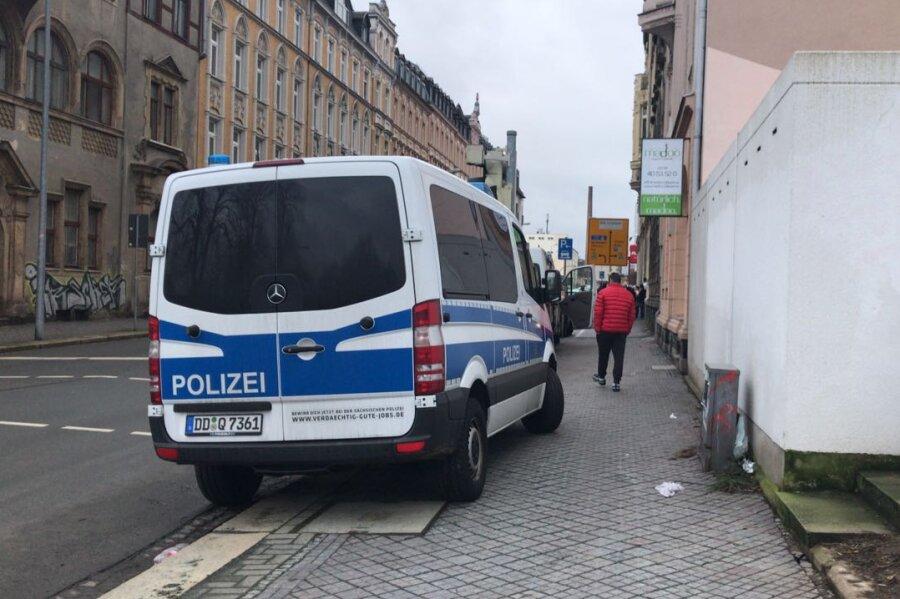 Großeinsatz der Polizei an Plauener Dürerstraße