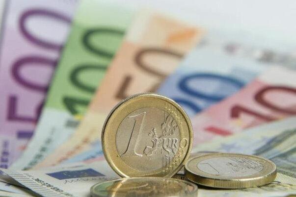 Verwaltungsleistungen kosten in Neumark künftig mehr Geld. Zum Beispiel beim Heiraten.