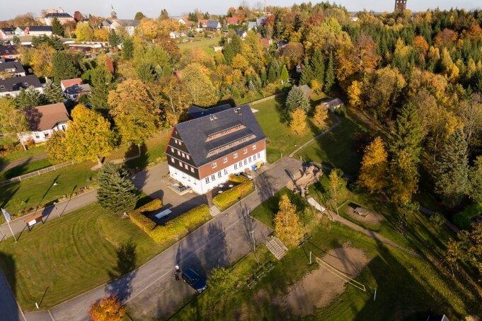 Die Jugendherberge in Frauenstein ist umgeben von viel Natur und bietet den Gästen reichlich Platz.