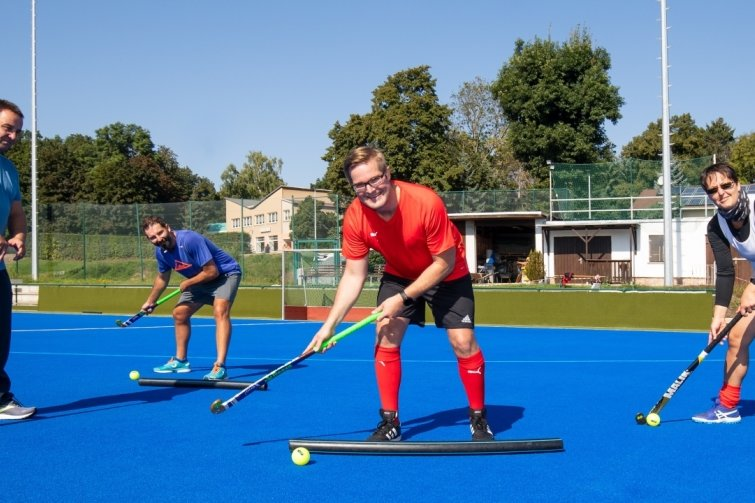 Hockey-Offensive: Verein aus Meerane lädt Sportlehrer ein