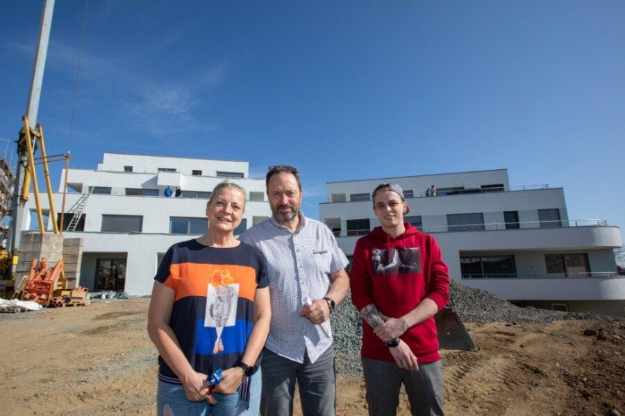 Die Investorenfamilie des neuen Wohnparks: Andreas Ruderisch mit Ehefrau Yvette und Sohn Phillip. Ihre Motivation war es, barrierefreien Wohnraum für den schwerst behinderten Sohn Radek (nicht im Bild) zu schaffen.