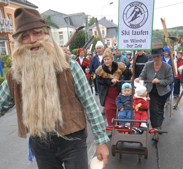 """Veranstaltungen wie das Heimatfest """"675 Jahre Pockau"""" im August 2010 bringen der Gemeinde zahlreiche Gäste und steigern für den Wirtschaftszweig Tourismus den Umsatz."""