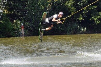 Als professioneller Wassersportler und Lokalmatador kennt Ariano Blanik das heimische Wassersportzentrum wie seine Westentasche.