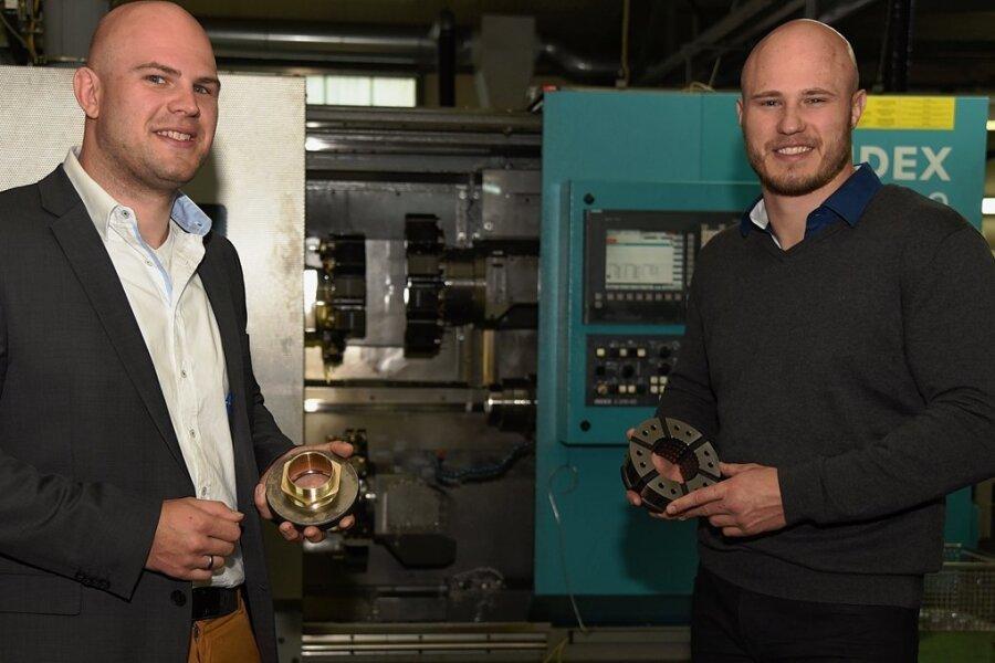 Mit Christian Bräunlich (links) und Stefan Bräunlich übernimmt die vierte Generation jetzt Verantwortung im Familienunternehmen. Im Metallbetrieb arbeiten derzeit 55 Mitarbeiter.