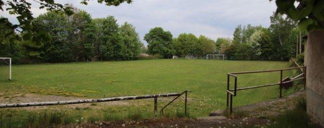 Der Platz in Beierfeld: Hier sahen 6000 Menschen 1952 eine Oberliga-Partie zwischen der BSG Wismut Aue und Motor Dessau.