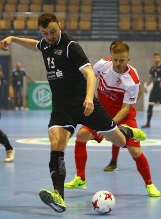 Nationalspieler Christopher Wittig (vorn) vom VfL Hohenstein-Ernstthal in Aktion.