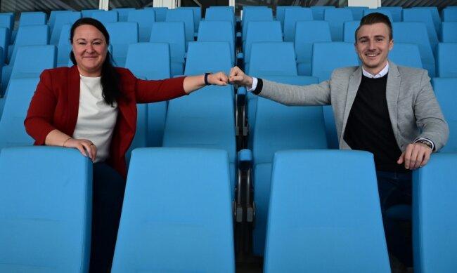 Gemeinsam für einen besseren CFC: Claudia Gränitz-Kleiber von der Hochschule Mittweida und CFC-Marketing-Chef Tommy Klotke wollen das Image des Traditionsvereins mit einem neuen Leitbild nachhaltig verbessern. Um dieses zu entwickeln, werden jetzt die Fans befragt.
