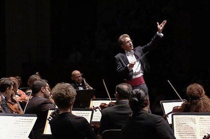 Neuer erster Mann in Sachen Musik am Eduard-von-Winterstein-Theater Annaberg-Buchholz und bei der Erzgebirgischen Philharmonie Aue: Jens Georg Bachmann.