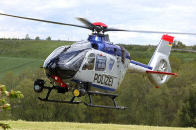 Unter anderem ein Polizeihubschrauber kommt bei der Sucht zum Einsatz.