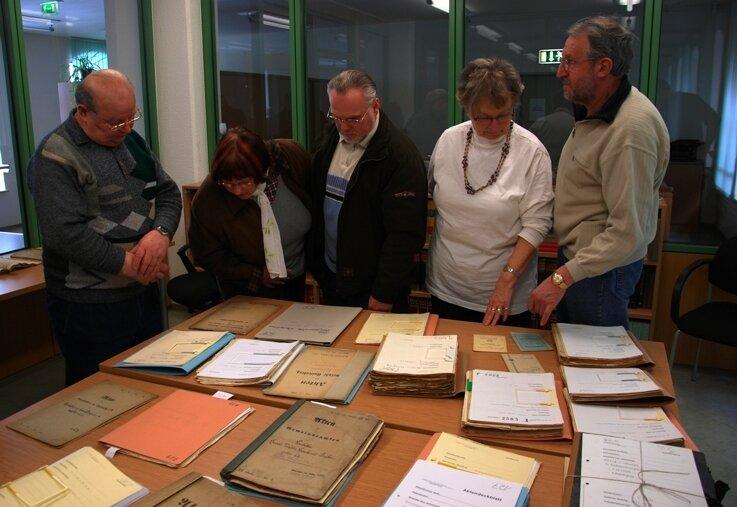 """<p class=""""artikelinhalt"""">Dokumente zum Bergbau hatte das Historisches Archiv des Vogtlandkreises auf Schloss Voigtsberg in Oelsnitz aus seinen Beständen hervorgeholt - sie stießen bei Besuchern auf großes Interesse. </p>"""