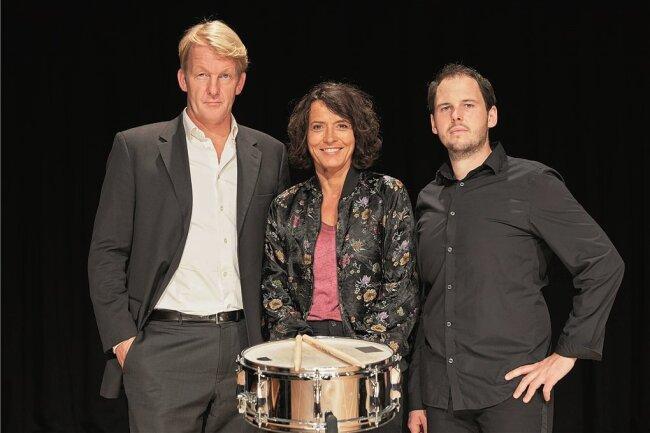 Ulrike Folkerts (Mitte) mit Stefan Weinzierl (rechts) und Clemens von Ramin.