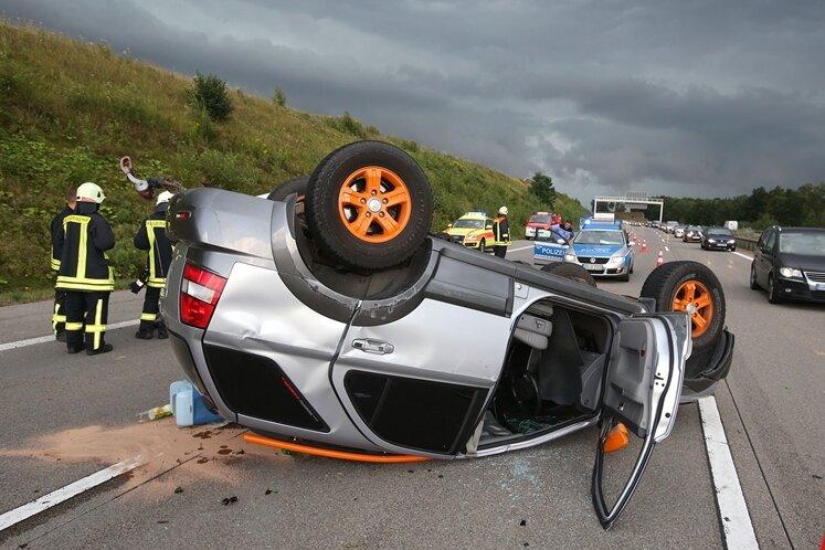 Unfall auf A4 - drei Verletzte