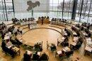 Der Plenarsaal des Landtages am Elbufer in Dresden: Hier wird über die Zukunft von Sachsen debattiert.
