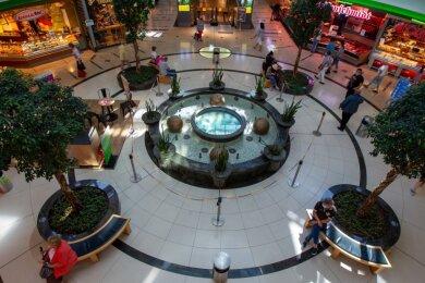 Kräftig investieren will die Stadt-Galerie beim zentralen Brunnen. Neue Sitzmöbel sollen zum Beispiel kommen.