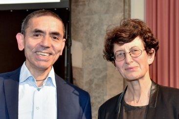 Die Biontech-Gründer Ugur Sahin (l.) und Özlem Türeci bringen den Corona-Impfstoff für Kinder auf den Weg.