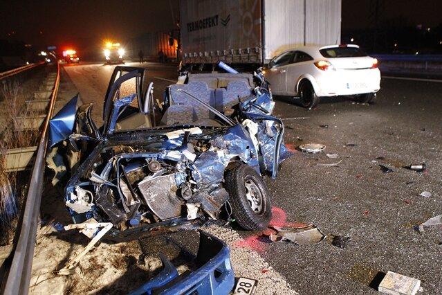 Ein 27-Jähriger Subaru-Fahrer kam am Dienstagabend auf der A72 ums Leben.