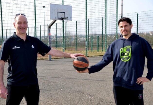 Vor fünf Jahren haben sie den BC Vogtland gegründet. Im Bild der Vereinsvorsitzende Daniel Onofras (links) sowie Spieltrainer und Vorstandsmitglied Tobias Thoß.
