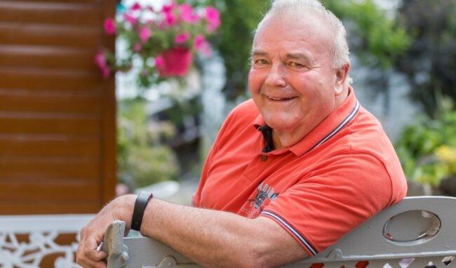 Gert Weigelt ist 74 Jahre alt. Ärztlich wird ihm abgeraten, weiterhin Blut zu spenden. Doch der Mauersberger hat ohnehin schon Vorbildliches geleistet. Seit 1976 gab der Rentner 115 Blut- und 410 Blutplasma-Spenden ab.