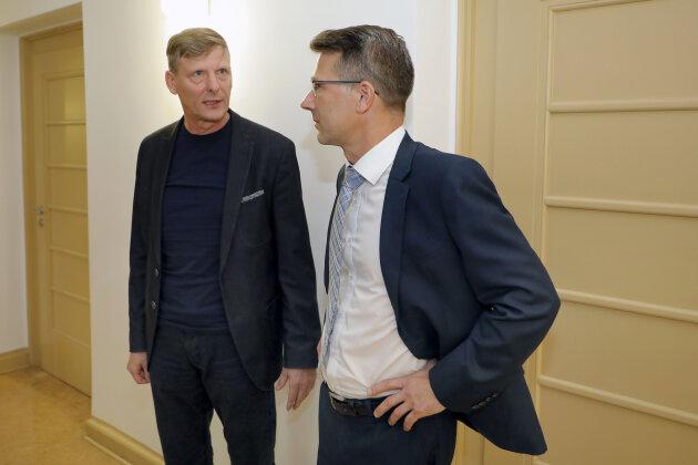 CFC-Aufsichtsratsvorsitzender Uwe Bauch (links) und Präsident Andreas Georgi trafen sich am Montag im Landgericht auf dem Gang. Ihre Fälle wurden allerdings getrennt verhandelt.