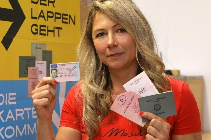 Sachgebietsleiterin Heike Hoffmann hat sich mit ihrem Team eine Marke von 2500 gesetzt. So viele Führerscheine sollen pro Monat umgetauscht werden.
