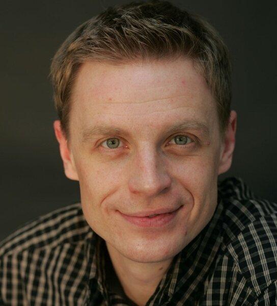 """<p class=""""artikelinhalt"""">Frank Oberüber ist einer der jüngsten Grabredner in Sachsen. </p>"""