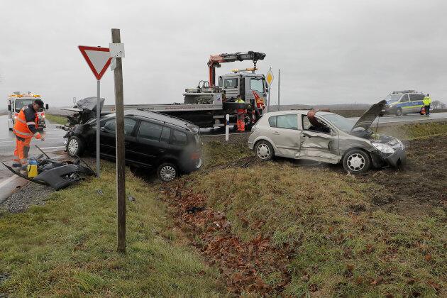 Fünf Personen bei Unfall auf S 1 verletzt