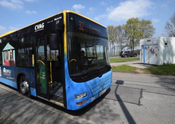 Drei Männer hatten am Ostersonntag einen Busfahrer an der Endstelle der Linie 32 zusammengeschlagen.